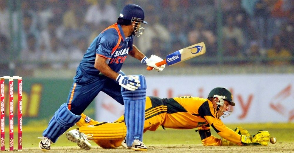 dhoni playing cricket