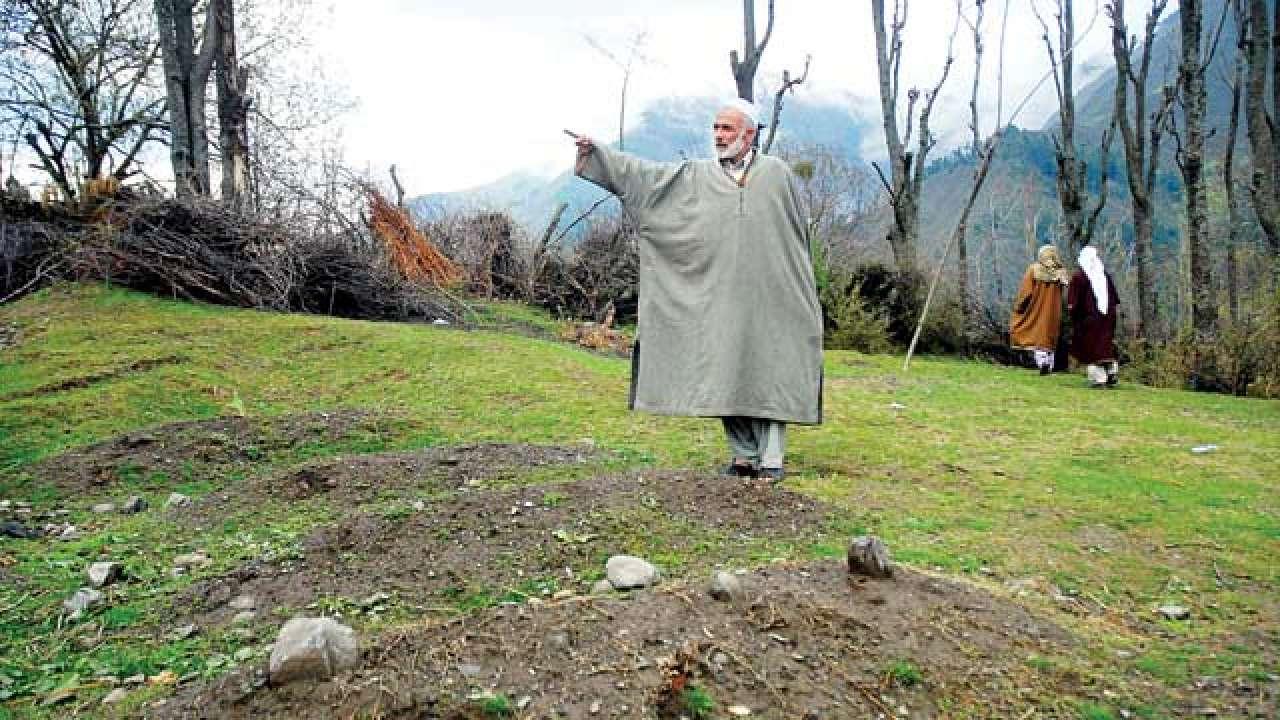 kashmir graves
