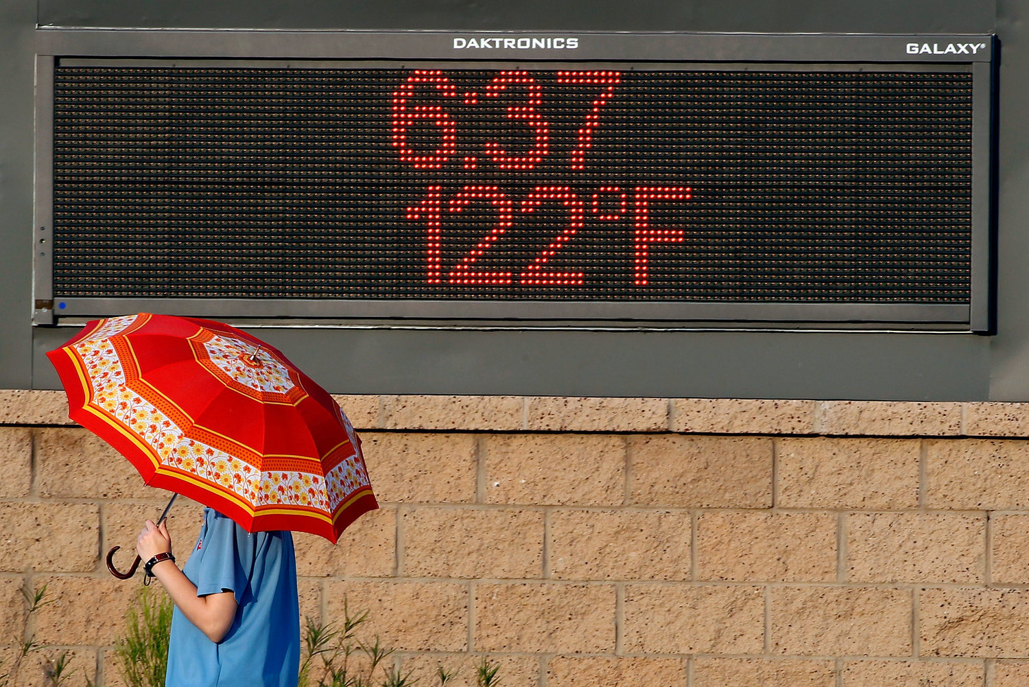 Phoenix Boils In Near-Record Heat Wave