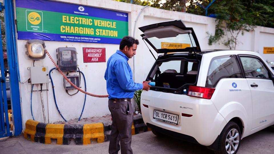 delhi ev charging station