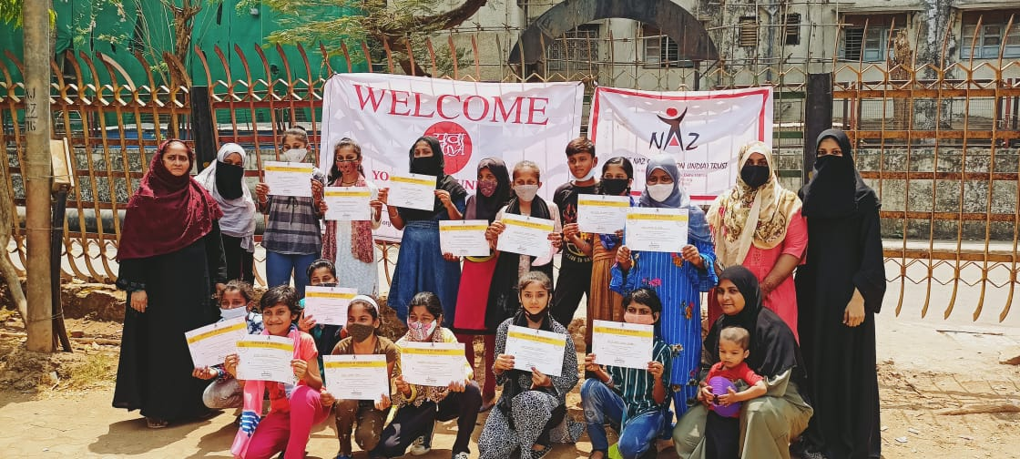 All smiles at the certificate distribution ceremony