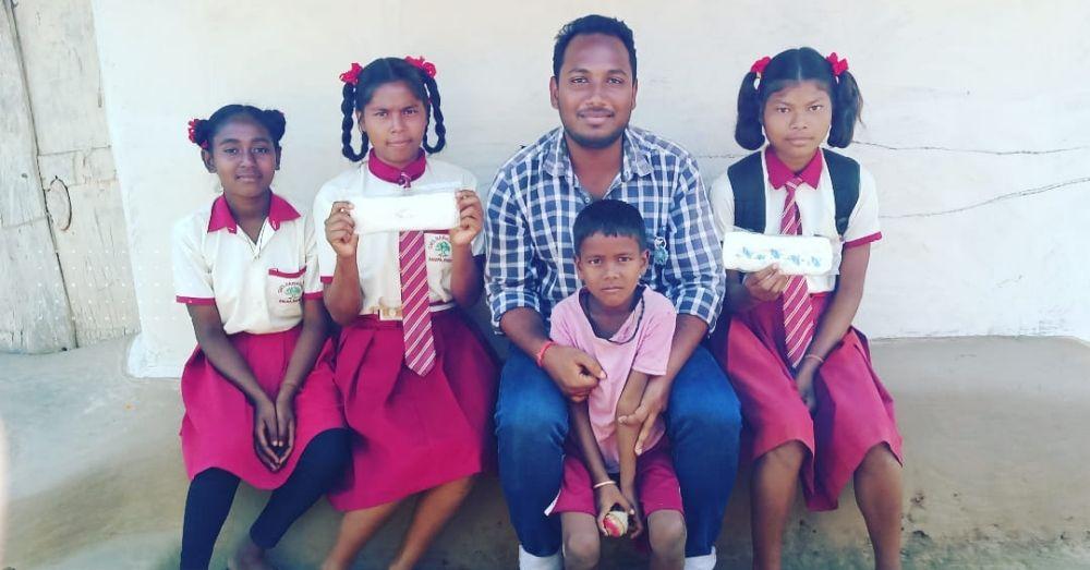 आयुष, मिशन बबुनिया नामक जागरूकता अभियान में बच्चों के साथ