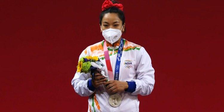 Tokyo Olympics: Mirabai Chanu के परिवार की पहली प्रतिक्रिया, जब उन्होंने भारत को दिलाया मेडल; देखें वीडियो