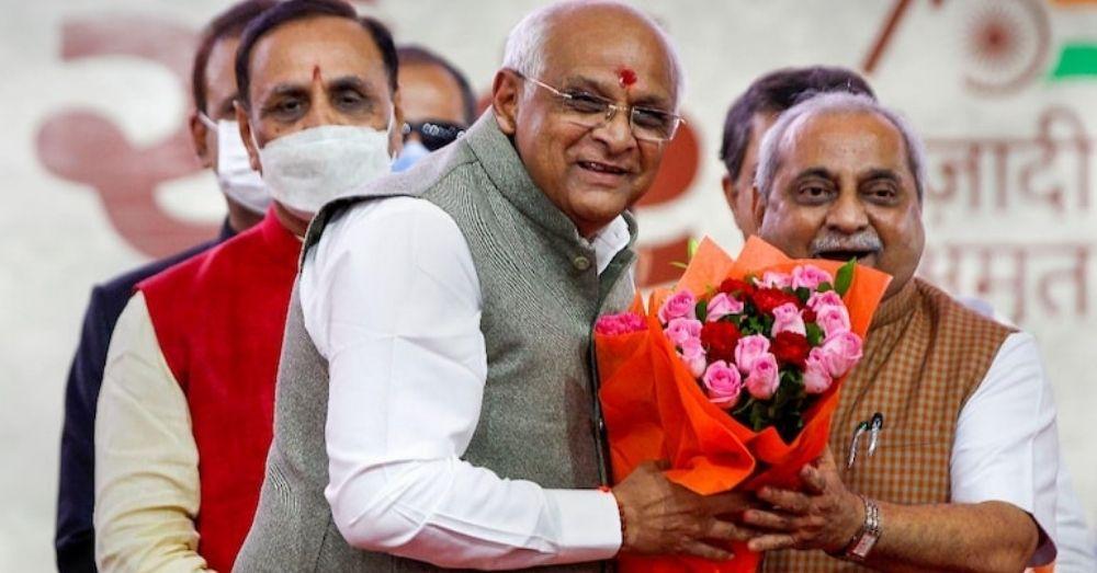 नितिन पटेल ने भूपेंद्र पटेल को मुख्यमंत्री बनने की बधाई देते हुए कहा कि मैं खुश हूँ कि मेरे दोस्त मुख्यमंत्री बने हैं।